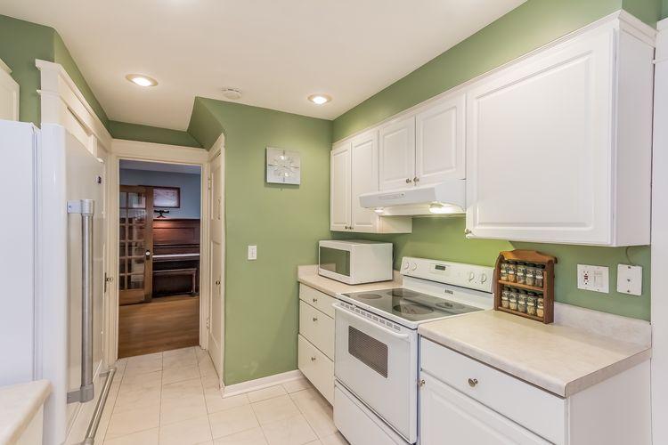 Kitchen Photo #18