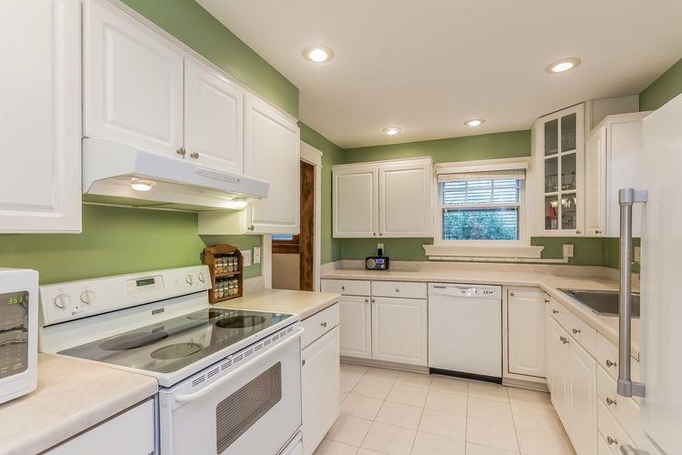 Kitchen Photo #19