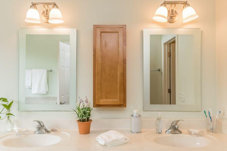 Master Bathroom Photo #33