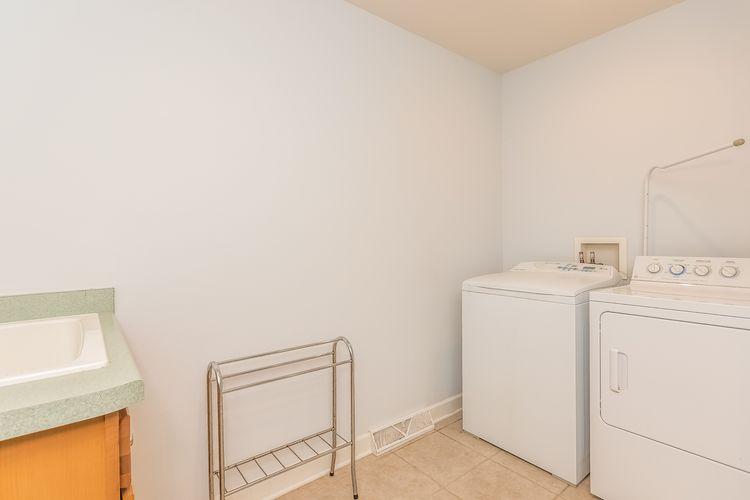 Laundry Room Photo #44