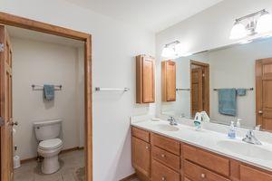 Bathroom2801 SUNFLOWER DR Photo 45