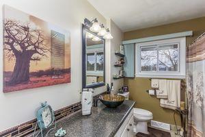 Bathroom5108 Winnequah Rd Photo 26