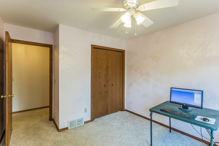 Office Photo #18