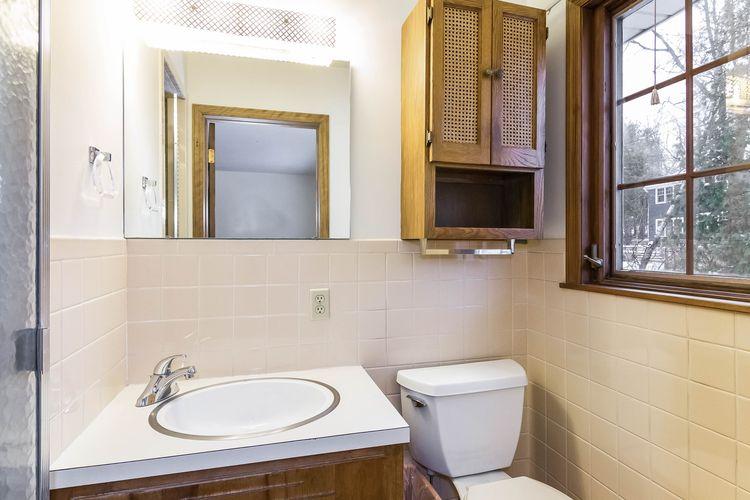 Master Bathroom Photo #18