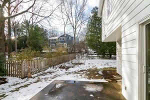 Patio1128 UNIVERSITY BAY DR Photo 29