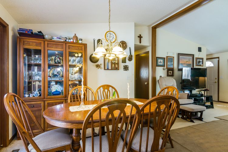 Dining Room Photo #7