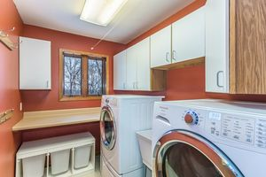 Laundry Room824 Shady Oaks Ln Photo 12